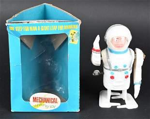 KRESGE WINDUP THE ASTRONAUT LUNAR EXPLORER w/ BOX