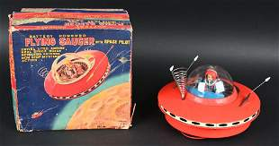 KO BATTERY OP FLYING SAUCER WITH PILOT w/ BOX