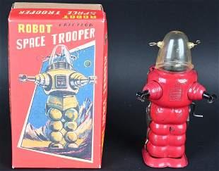 KO TIN WINDUP ROBOT SPACE TROOPER