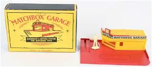 LESNEY MATCHBOX SHOWROOM & SERVICE STATION w/ BOX