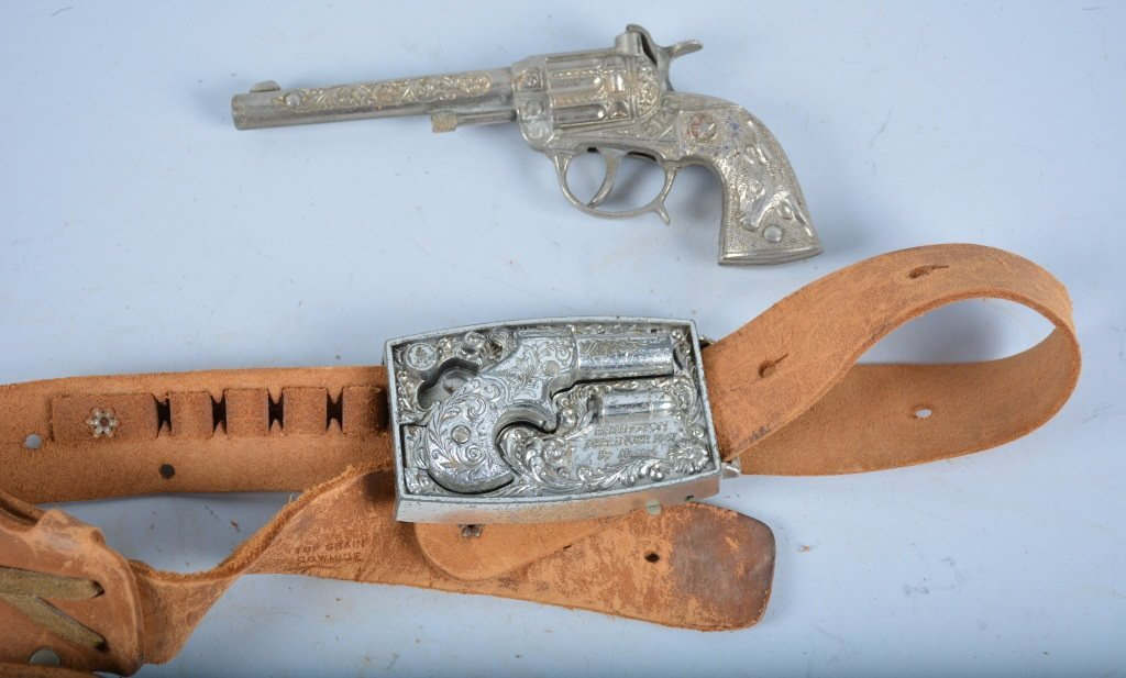 MATTEL 1867 DERRINGER BELT BUCKLE HOLSTER SET - 3