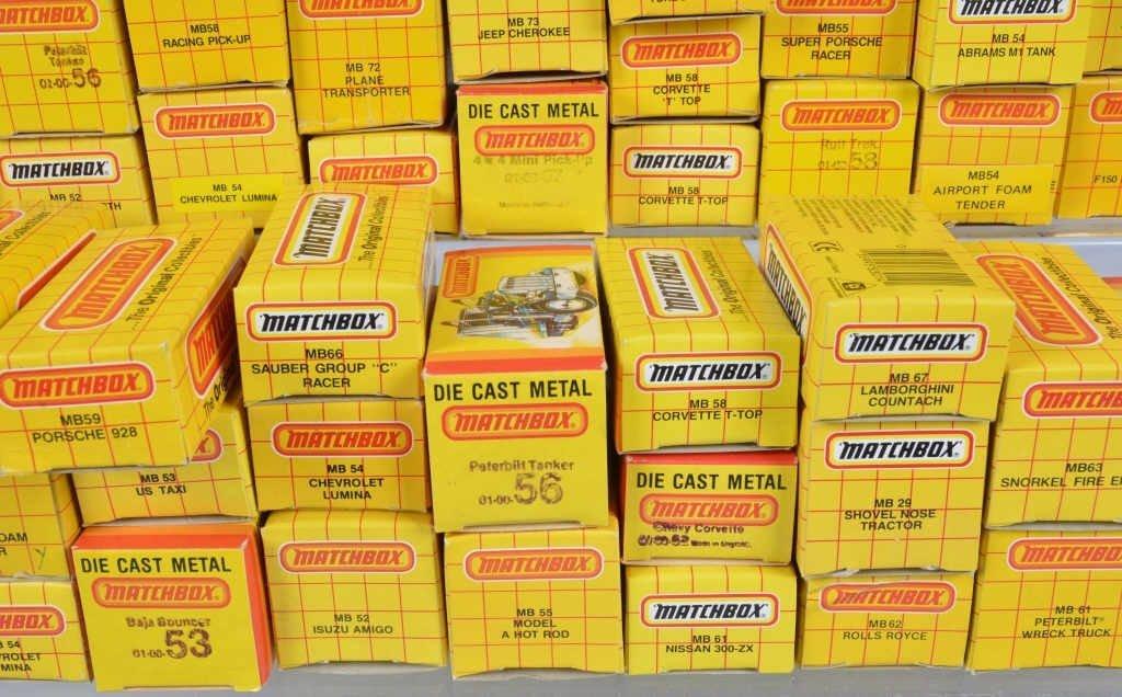 Lot of 70 1980s MATCHBOX CARS mib - 3