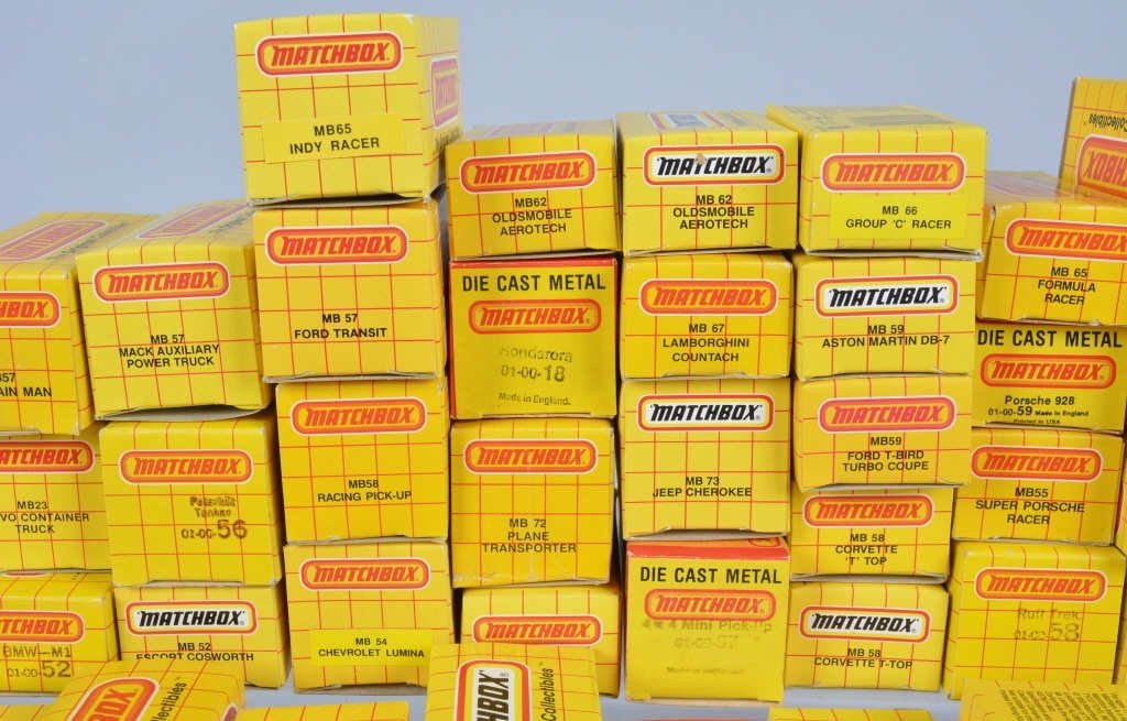 Lot of 70 1980s MATCHBOX CARS mib - 4