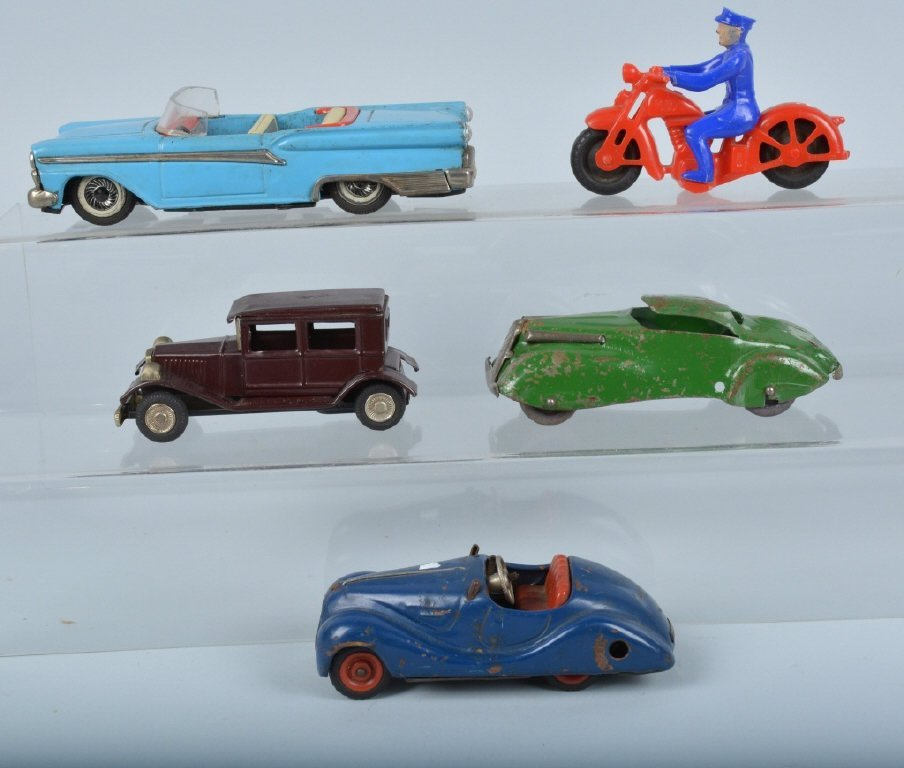 Lot of VINTAGE TOY VEHICLES & MOTORCYCLE