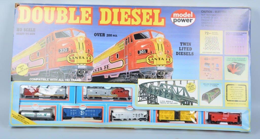 MODEL POWER DOUBLE DIESEL TRAIN SET w/BOX