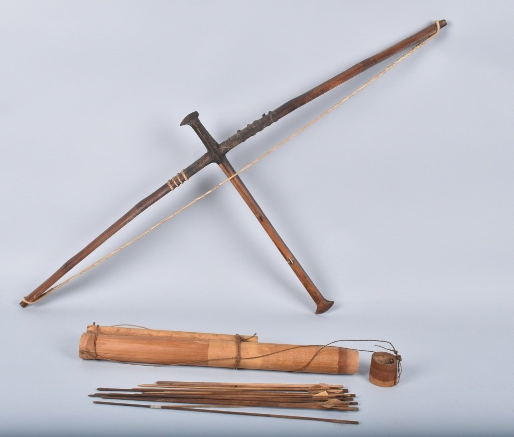 CROSSBOW, ARROWS AND QUIVER, VINTAGE