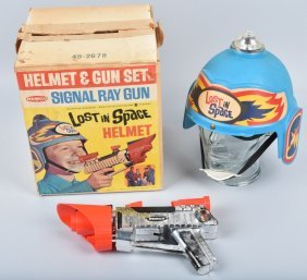 Remco Lost In Space Helmet & Ray Gun W/ Box