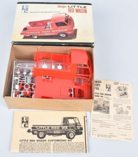 Imc Dodge Little Red Wagon Model Kit
