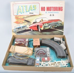 Vintage Atlas Ho Racing Slot Car Set W/box