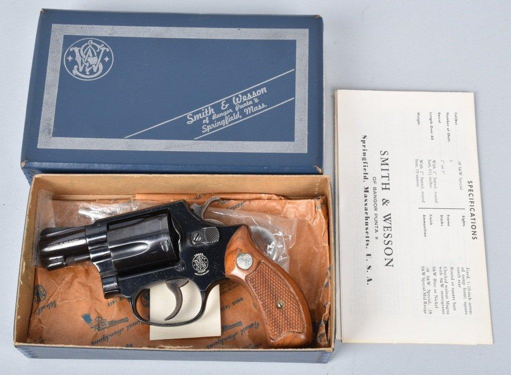 SMITH & WESSON M36, .38 REVOLVER, BOXED