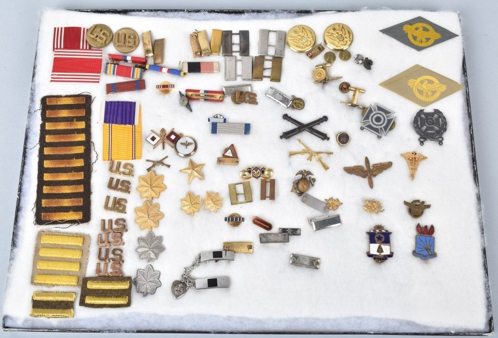 LARGE LOT OF US MILITARY MEDALS, PATCHES and MORE