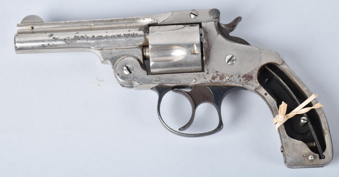 SMITH & WESSON.32 REVOLVER, AMERICAN EXPRESS