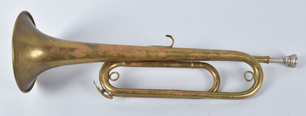 18TH CENTURY BRASS MILITARY BUGLE