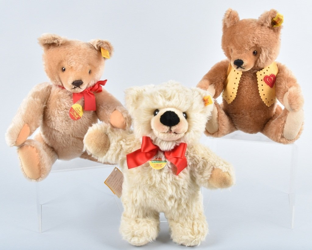 STEIFF BEARS GROUP OF 3
