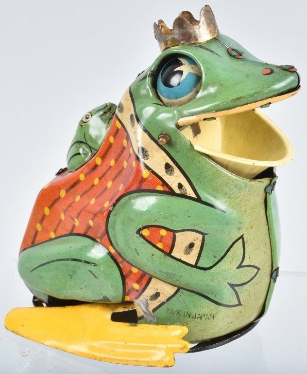 JAPAN Tin Windup FROG KING WITH BABY FROG - 4