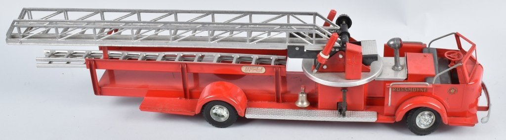 DOEPKE Pressed Steel ROSSMOYNE FIRE TRUCK - 3