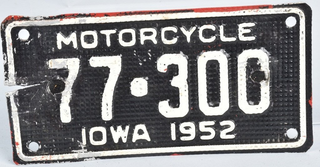 1952 IOWA MOTORCYCLE LICENSE PLATE