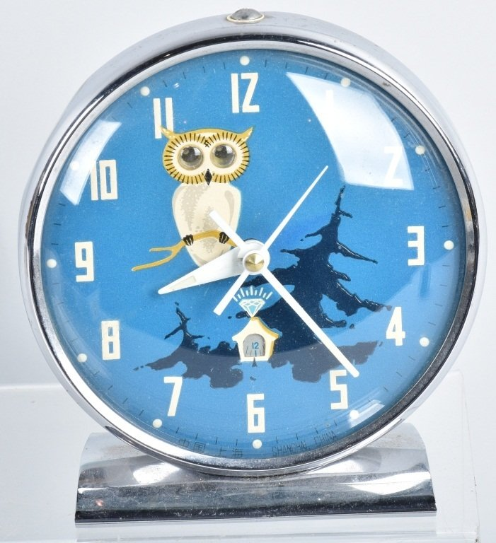 4-ANIMATED NOVELTY CLOCKS & BLINKING DOG - 3
