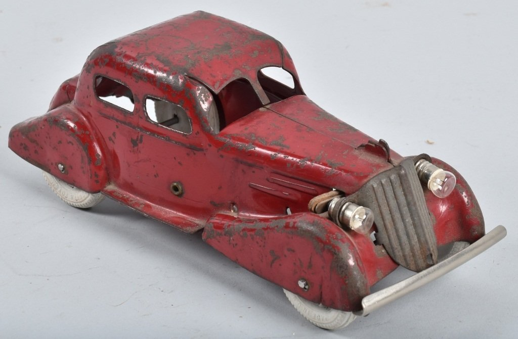 1930's WYANDOTTE ROOSTER COMB SEDAN - 4