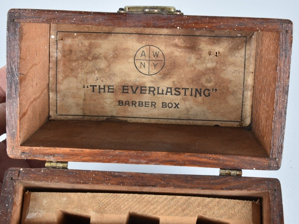 ANTIQUE STRAIGHT RAZOR BARBER BOX w/ 6 RAZORS - 2