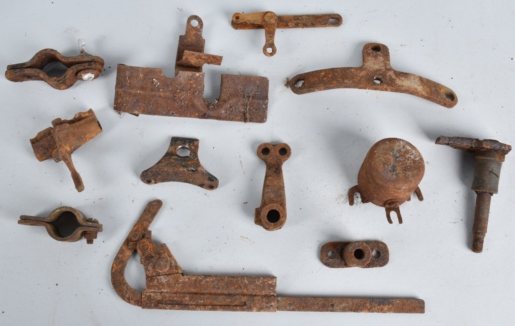 LARGE LOT OF EARLY MOTORCYCLE PARTS - 2