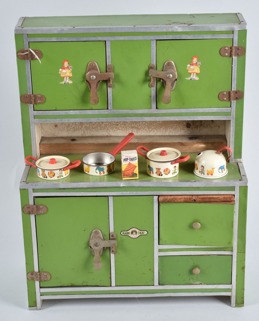 1930's MARY LOU DOLL KITCHEN CUPBOARD