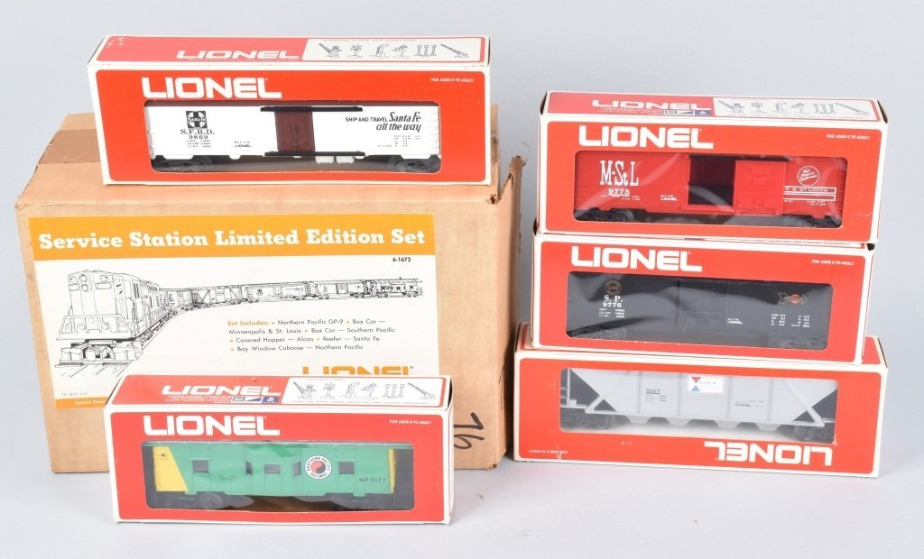 LIONEL SERVICE STATION LIMITED EDITION SET, BOXED