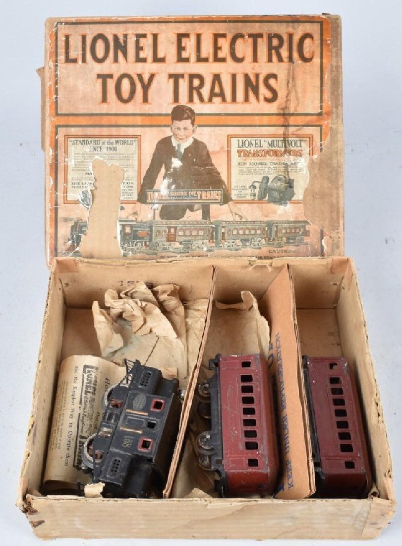 LIONEL PRE-WAR O GUAGE TRAIN SET w/ BOX