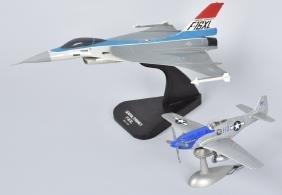 2-AIRPLANE DESK MODELS