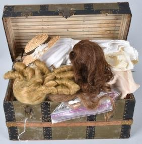 VINTAGE DOLL STEAMER TRUNK FULL OF CLOTHES & WIGS