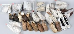 LARGE LOT OF VINTAGE BABY SHOES