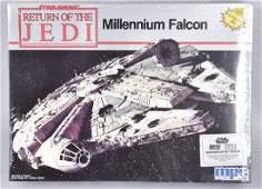 1983 STAR WARS ROTJ MILLENNIUM FALCON MODEL KIT