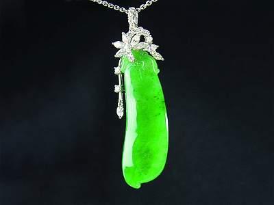 A very find grade A Burmese jade pendant