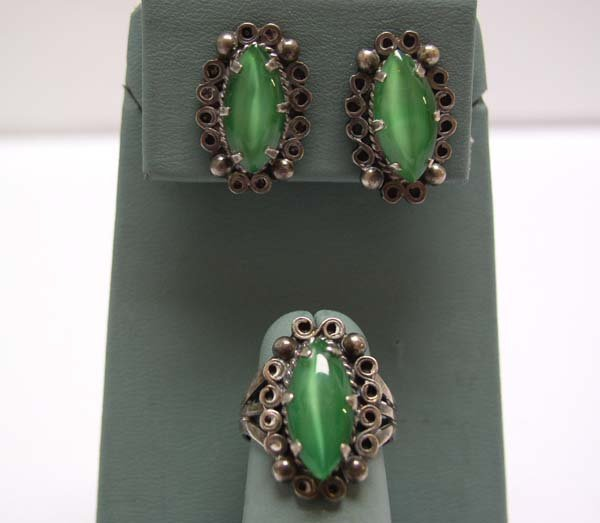 16: Vintage Mexican Silver Ring / Earring Set Green NR