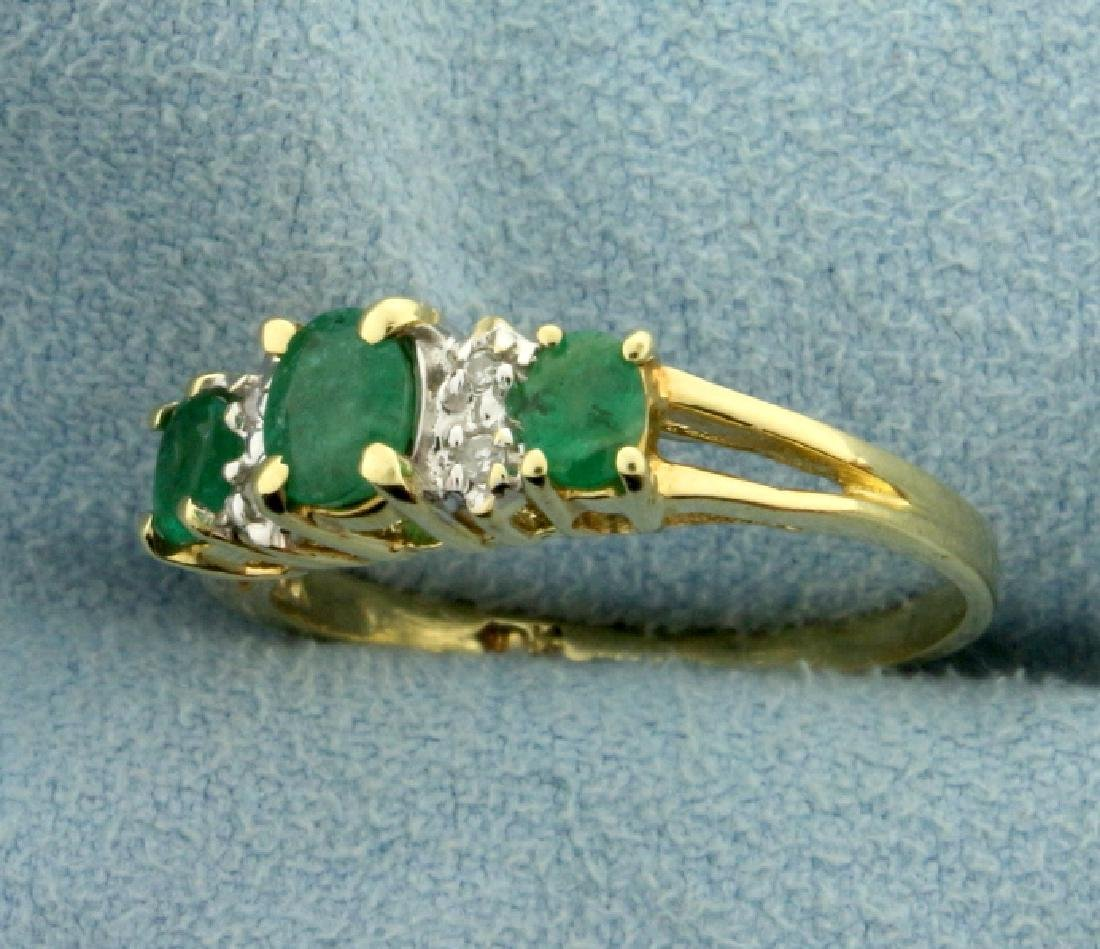 Natural Emerald And Diamond Ring - 2