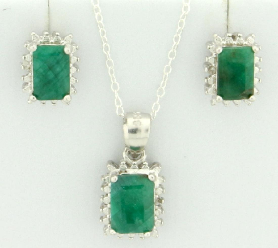 Emerald Earring and Pendant SET in Sterling Silver