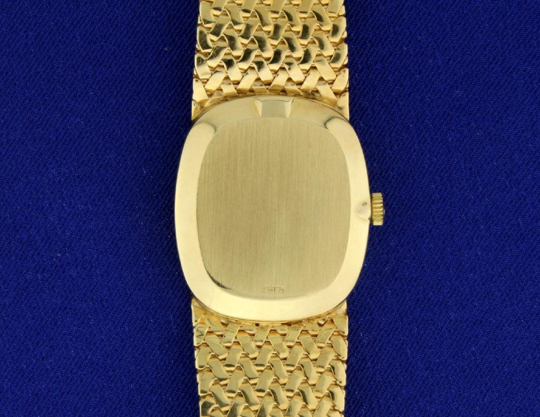 Vintage Men's or Woman's Omega Watch in 14k Sold Gold - 4