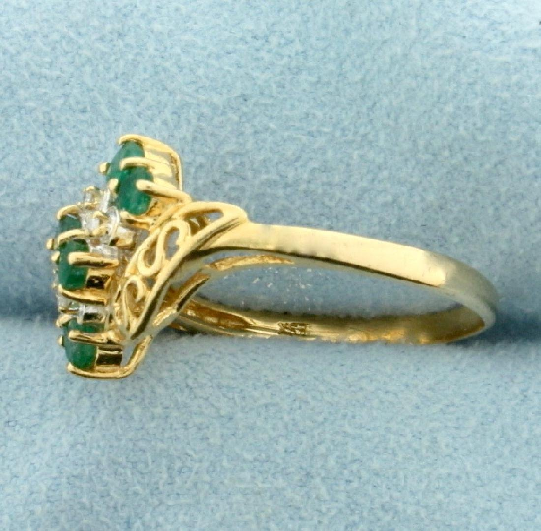 Vintage Emerald and Diamond Ring in 14k Gold - 2
