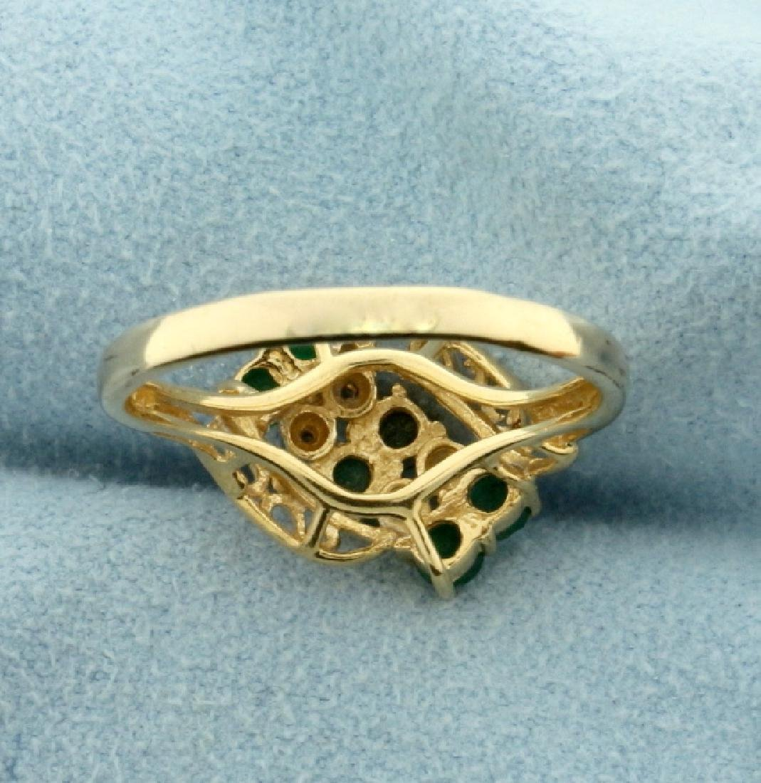 Vintage Emerald and Diamond Ring in 14k Gold - 3