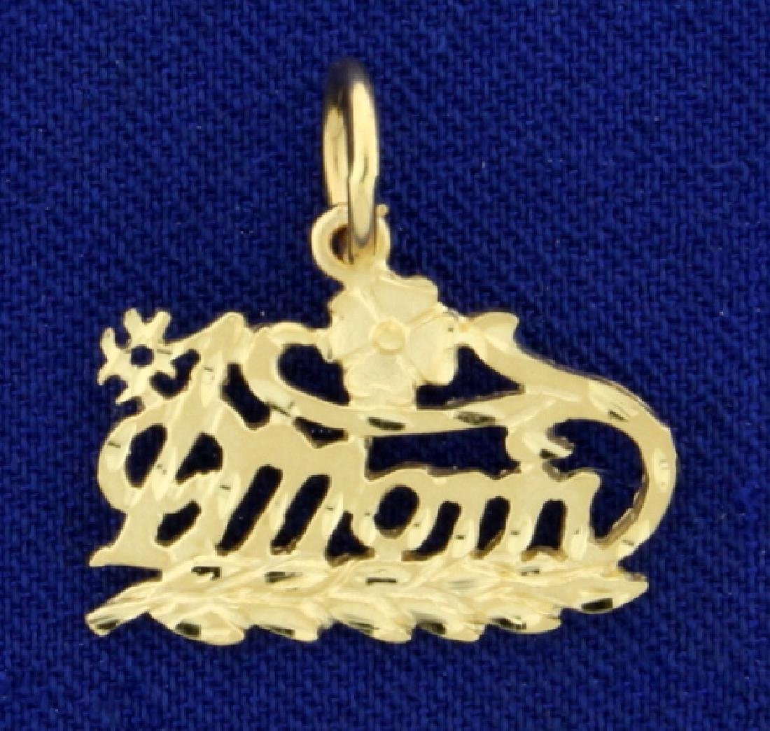 #1 Mom Pendant in 14K Yellow Gold