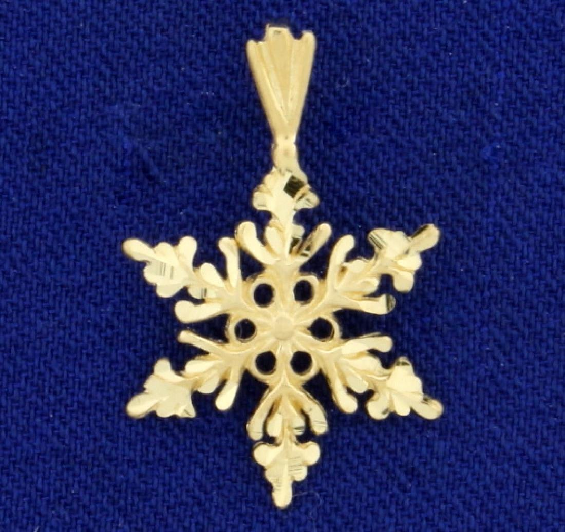 Snowflake Pendant in 14K Yellow Gold