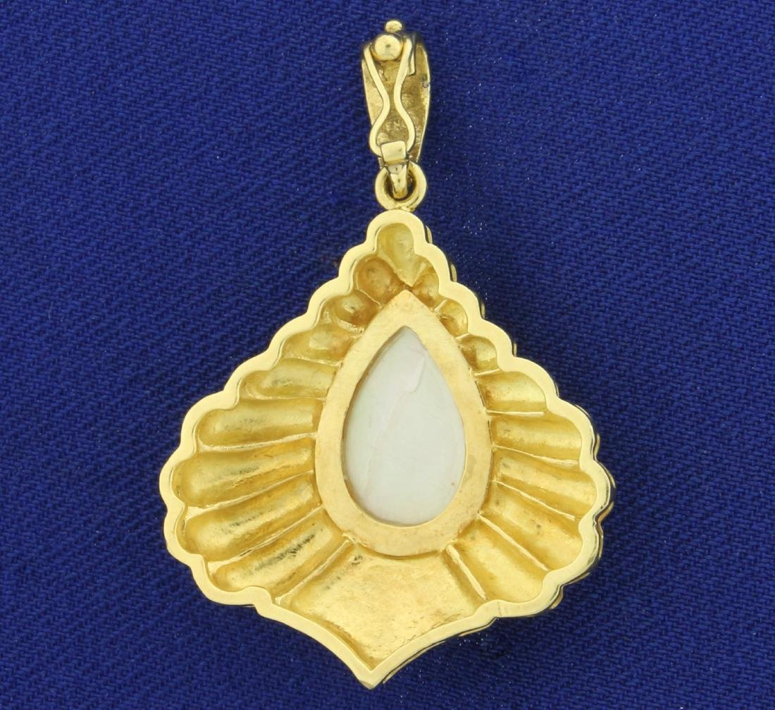 Mabe Pearl Pendant in 18K Yellow Gold - 2
