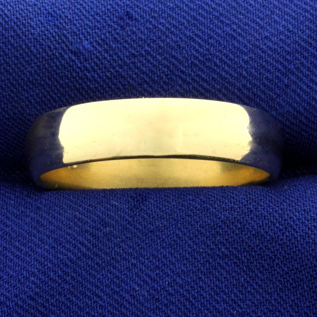 Men's Gold Wedding Band Ring in 14K Yellow Gold