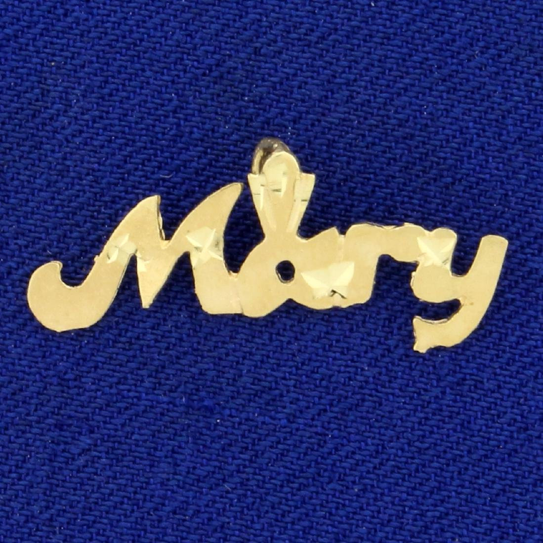 Name Mary Pendant in 14K Yellow Gold