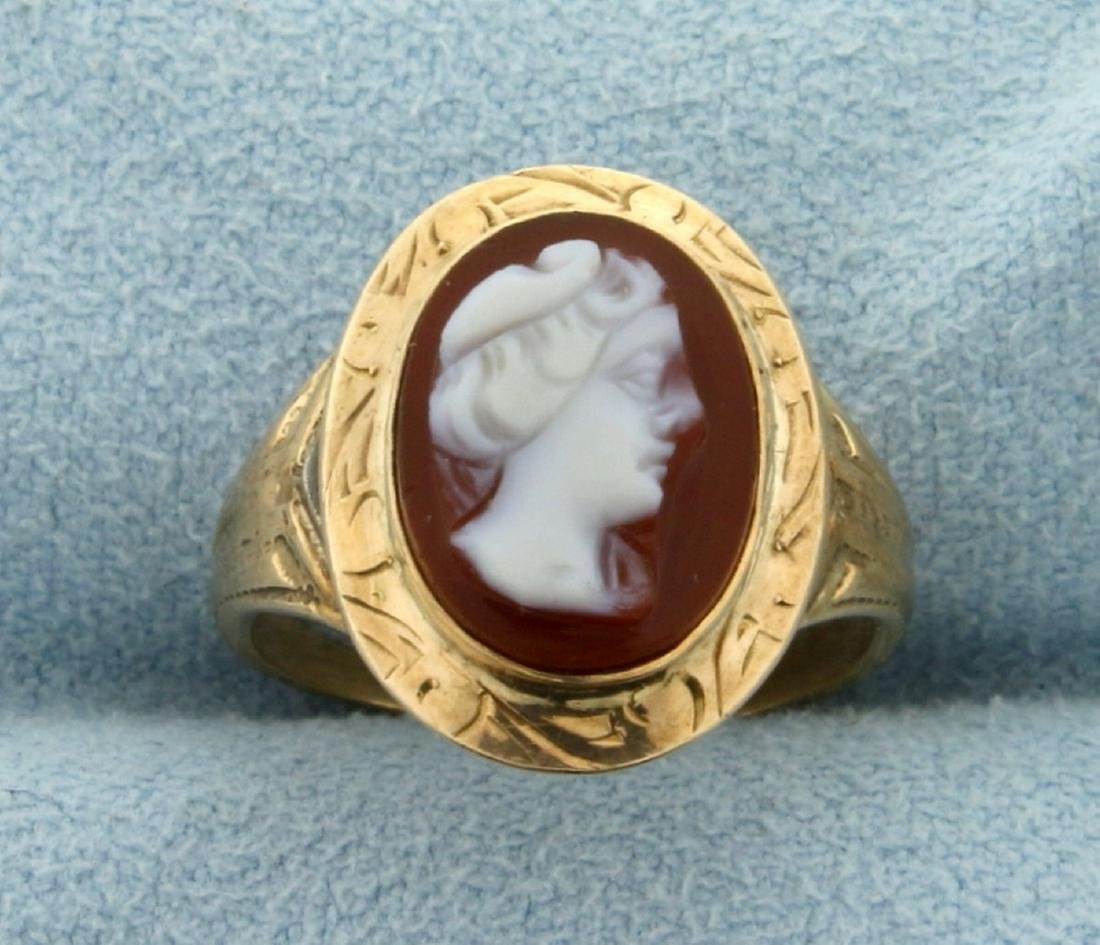 Vintage Cameo Ring in 10K Yellow Gold