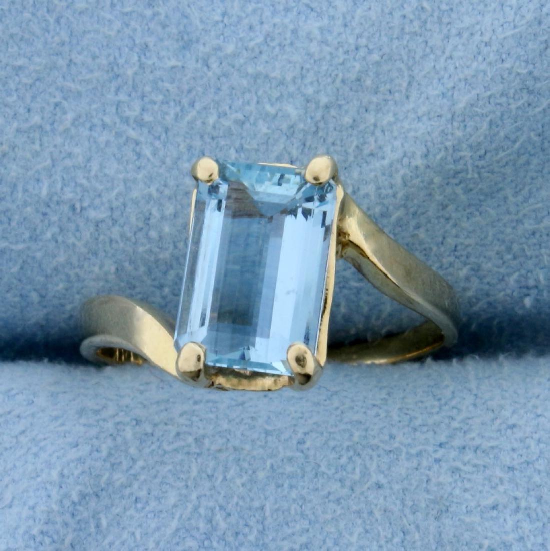 Vintage 2ct Natural Aquamarine Ring in 14K Yellow Gold