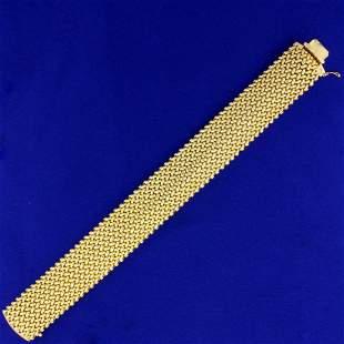 7 1/2 Inch Italian Made Mesh Link Chain Bracelet in 14K