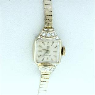 Vintage Omega Manual Wind womens Watch in Solid 14K