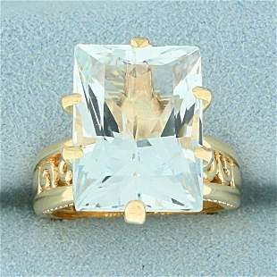 15ct Sky Blue Topaz Solitaire Ring in 14K Yellow Gold