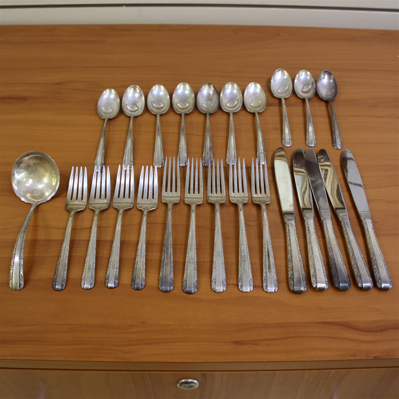Towle Candlelight Twenty-Five Piece Sterling Silver